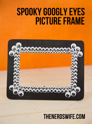 Spooky Googly Eyes Frame Small