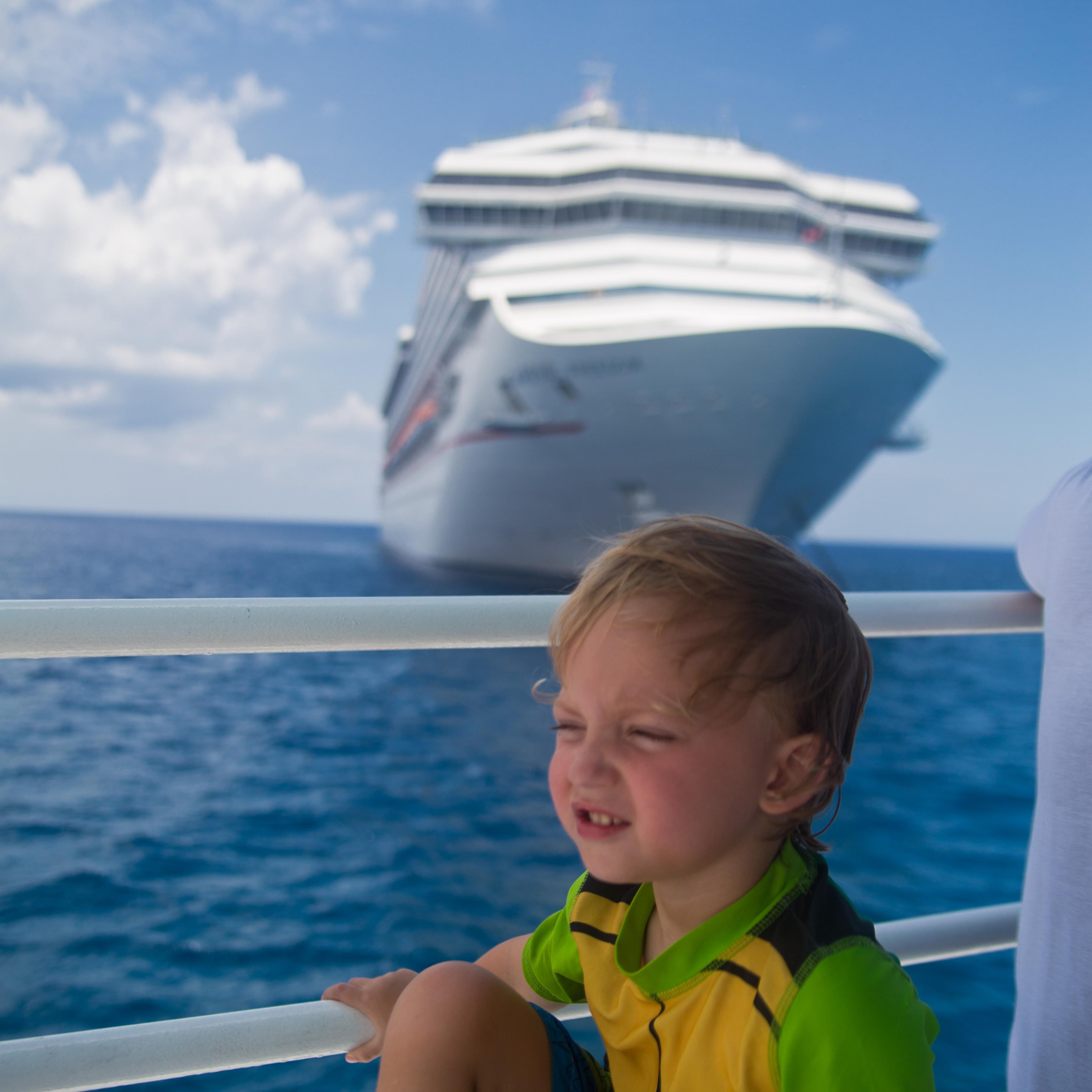 toddler on cruise